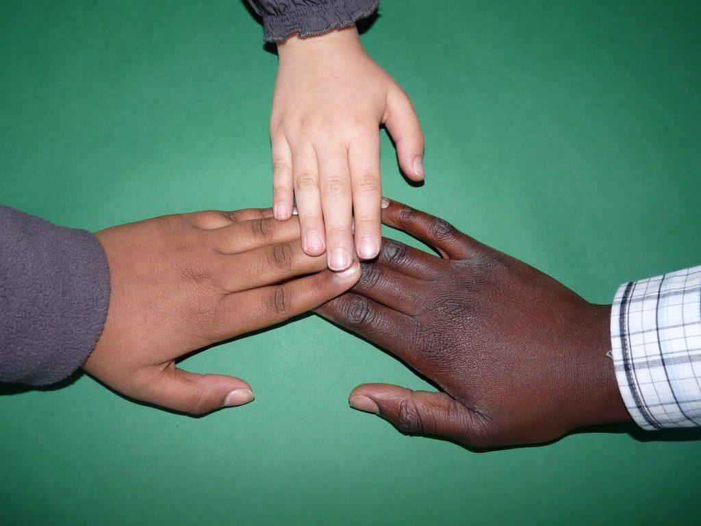 hand children child child s hand 159827 1024x768 1