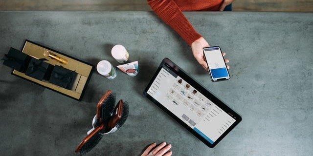 retail transaction social media policy 1